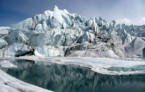 Matanuska_Glacier_mouth